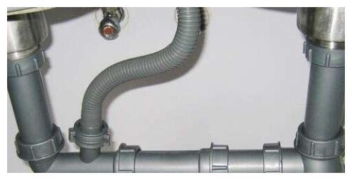 如何有效解决水管渗水问题?教你3个小妙招、自己在家轻松搞定